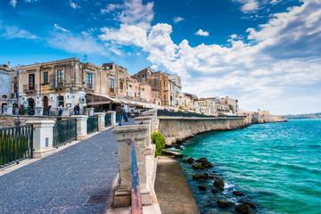 Coast of Ortigia island at city of Syracuse, Sicily, Italy. Beautiful travel photo of Sicily. Fototapete