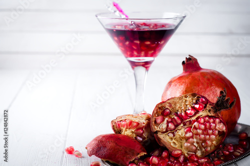 how to cut a pomegranate video
