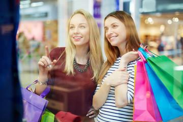 Friendly shoppers