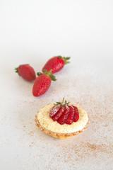 White chocolate and custard tart with strawberries