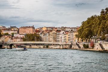 La Saône et la Promenade du défilé de la Saône à Lyon