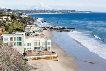 Houses by ocean in Malibu california