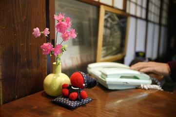 pink flower phone