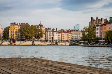 Les Planches sur la promenade du défilé de la Saône à Lyon
