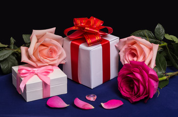 Roses and Gifts with Roses, Heart and Petals