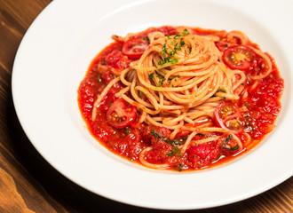 Spaghetti Pomodoro with herbs