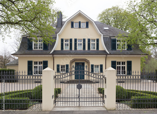 friedrich wilhelm stra e 14 16 bonn 125199055. Black Bedroom Furniture Sets. Home Design Ideas