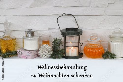 wellnessbehandlung zu weihnachten schenken stockfotos. Black Bedroom Furniture Sets. Home Design Ideas