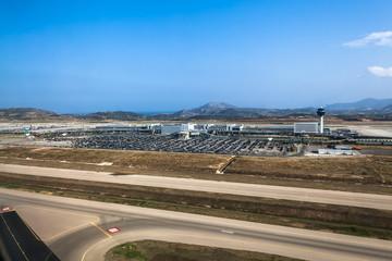Widok na terminal lotniska Markopoulo w Ateny, Grecja