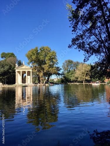 Roma il laghetto dei giardini di villa borghese stock for Laghetto i giardini