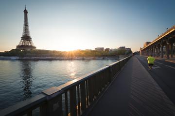 Tour Eiffel et Bir Hakeim