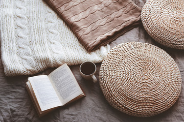 Blankets, ottomans and reading