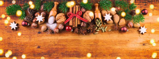 Weihnachten  -  Gewürze und Zutaten für die Weihnachtsbäckerei  -  Banner