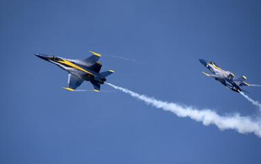 NAS Pensacola Florida USA - October 2016 -  Blue Angels FA 18 Hornet jets in flight over their Pensacola base Fototapete