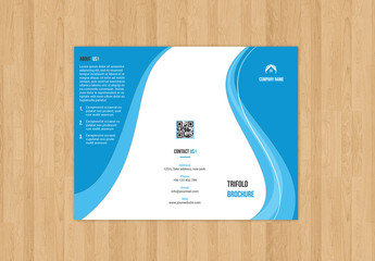Trifold Corporate Brochure Layout with Loop Border Element