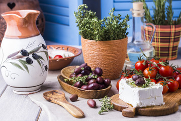 Greek cheese feta with thyme and olives Fototapete