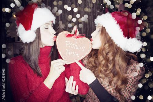 Frauen Weihnachten Kuss \