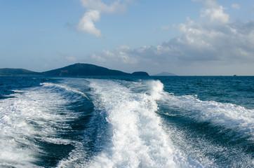 Ocean Waves speedboat