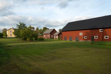 Bauernhof mit roten Stallungen Korsberga, Smaland Schweden