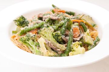 vegetable pasta alfreado with paremsan