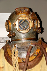 Diving suit from  1940s