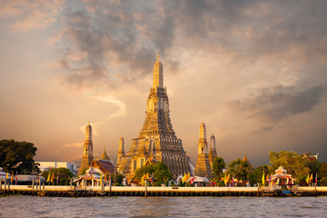 Wat Arun Temple Morning Bangkok Sunrise Red Sky