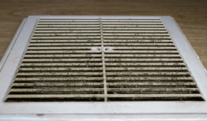 Dirty vent window