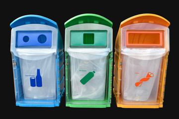 classify bins for recycle,yellow is general waste,green is plast