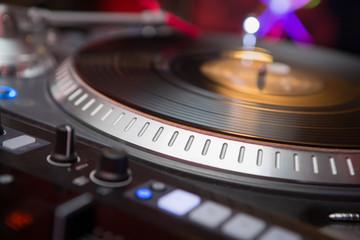 Professional DJ audio vinyl record disc player turntable