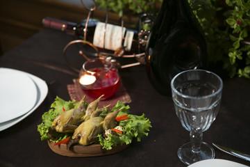Романтичный вечер, ужин в ресторане,