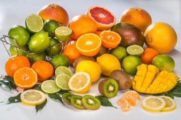le plein de vitamine, composition agrumes et exotiques.