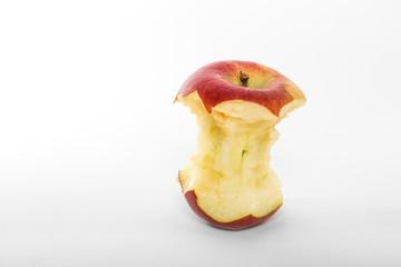 roter Apfel angebissen