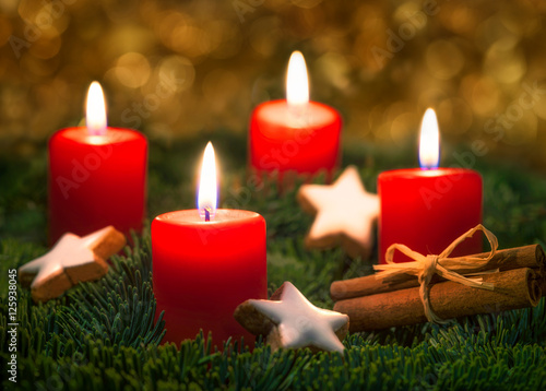 adventskranz mit kerzen an weihnachten stockfotos und. Black Bedroom Furniture Sets. Home Design Ideas