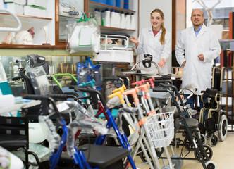Two adult doctors posing in orthopaedic shop