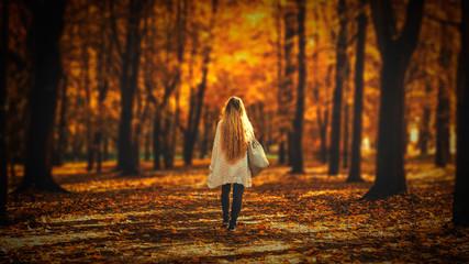 Fototapeta Jesienna kobieta, Polska obraz