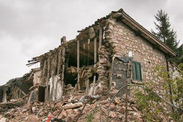Casa nella zona rossa di Visso distrutto dal terremoto del centro italia