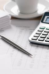 Obraz Calcolatrice penna e budget - fototapety do salonu