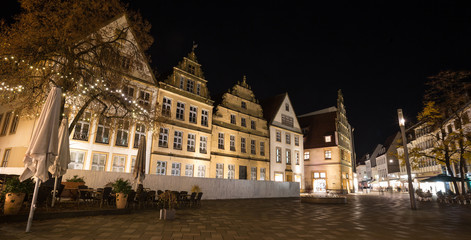 Fotobehang Artistiek mon. alter markt bielefeld germany at night