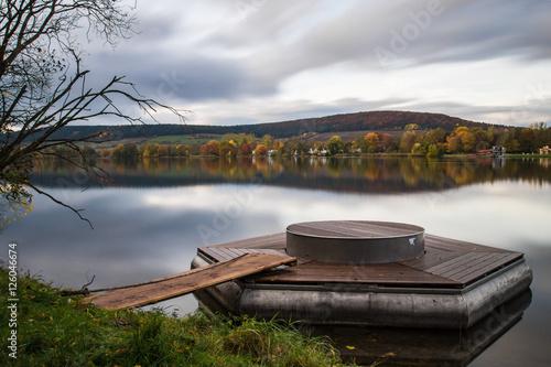 schwimmende insel am see stockfotos und lizenzfreie bilder auf bild 126046674. Black Bedroom Furniture Sets. Home Design Ideas