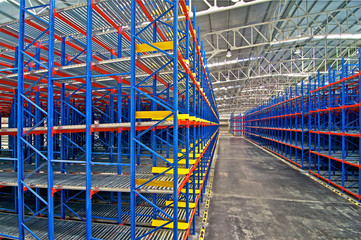 Storage pallet racking system for distribution