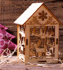 Casette in legno natalizia