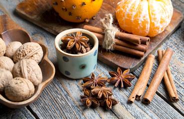 Tradycyjne świąteczne przyprawy i owoce