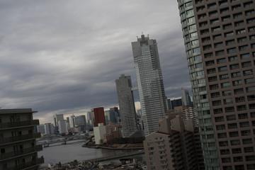東京摩天楼 暗雲