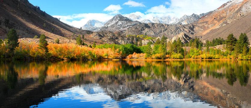 Fall colors near Sabrina lake ,Bishop California