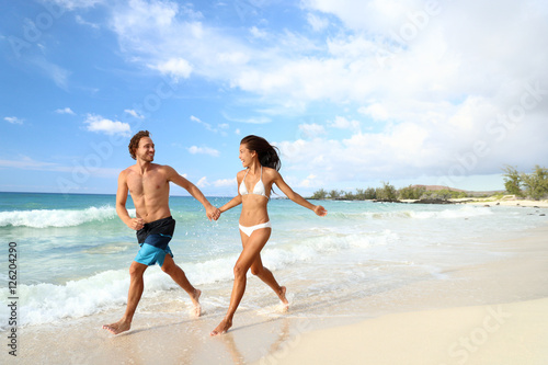 Beach Summer Vacation Couple Running On Holidays Happy Fun Vacations Walking Together Laughing