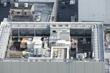 老朽化した共同住宅 築40年 東京 俯瞰 錆
