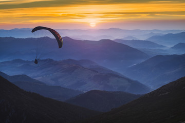 Foto op Aluminium Luchtsport Paraglide and the sunrise