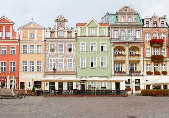 Wall Mural - renaissance houses on the central market square in Poznan, Poland