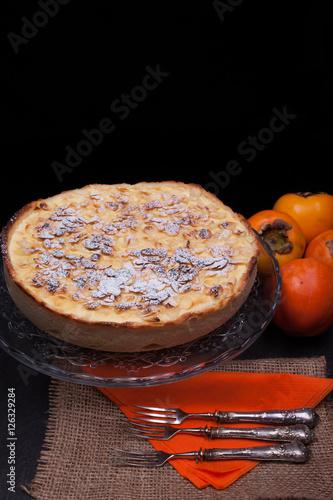 "Fresh Baked Persimmon Cake"" Imagens e fotos de stock Royalty Free no ..."