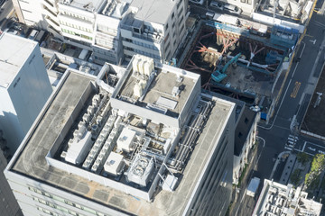 建物 設備 ビルの屋上 空調設備 電力変電設備 隣にビル建築現場
